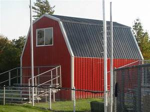 Barn roof styles red umpquavalleyquilterscom choosing for Red barn dog kennel