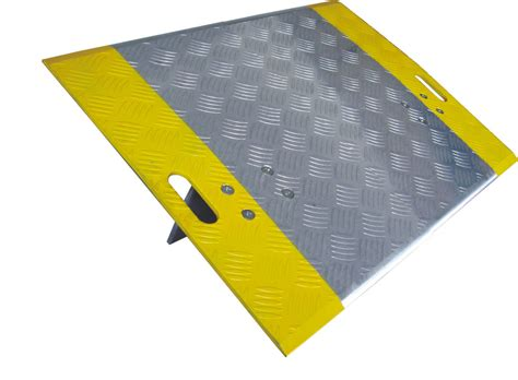 removable portable dock plates aluminum loading dock boards  bridge plates