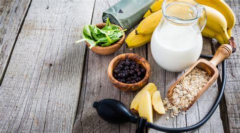 alimenti alzano la pressione dieta per l ipertensione quali sono gli alimenti da