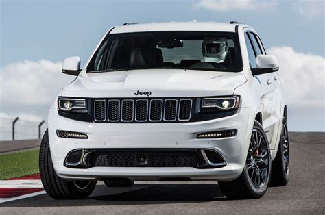 srt jeep 2014 video justin bell puts 2014 jeep grand cherokee srt to
