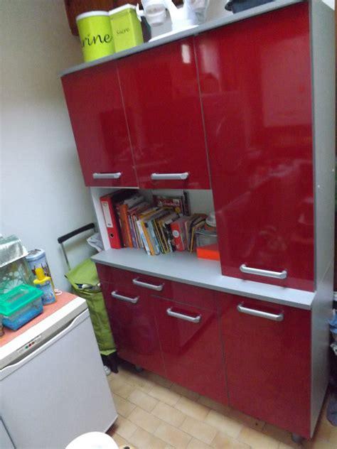 peinture laqu馥 cuisine cuisine laqu stunning salon peinture gris galet parement mural salon et peinture with cuisine laqu affordable cuisine laqu