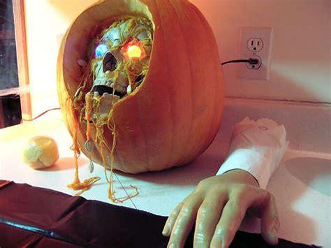 Pumpkin Chunkin Trebuchet Designs by 9 Halloween Pumpkin Projects Mental Floss