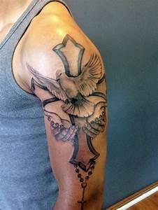 Kreuz Tattoo Oberarm : die besten 25 tattoo kreuz ideen auf pinterest kreuz herz tattoos kreuz tattoo am handgelenk ~ Frokenaadalensverden.com Haus und Dekorationen