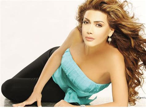 Top 10 Most Popular And Beautiful Female Celebrities Of