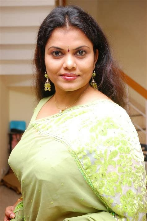 malayali actress minu kuriyan aunty naughty hot images
