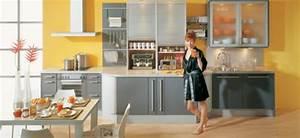 Graue Möbel Welche Wandfarbe : coole k chen wandfarbe gelb orange und rot ~ Markanthonyermac.com Haus und Dekorationen