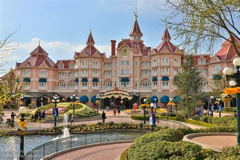 disneyland hotel at disney character central