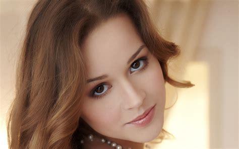 Beautiful Girl Hd Wallpapers 1080p