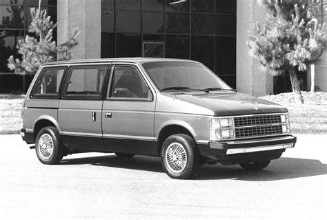 Next Generation Chrysler Minivan by Generation Chrysler Minivans Photo Gallery Autoblog