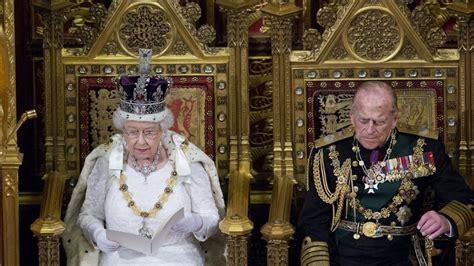 Fallece felipe de edimburgo, marido de isabel ii, a los 99 años. El príncipe Felipe de Mountbatten, siete décadas de ...