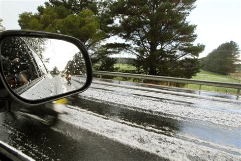 au bureau orl饌ns photos hail dumped on southern highlands illawarra mercury