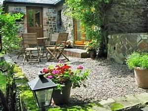 Cottage Garten Anlegen : ideen und tipps f r die gestaltung der terrasse mit l ndlichem flair ~ Whattoseeinmadrid.com Haus und Dekorationen