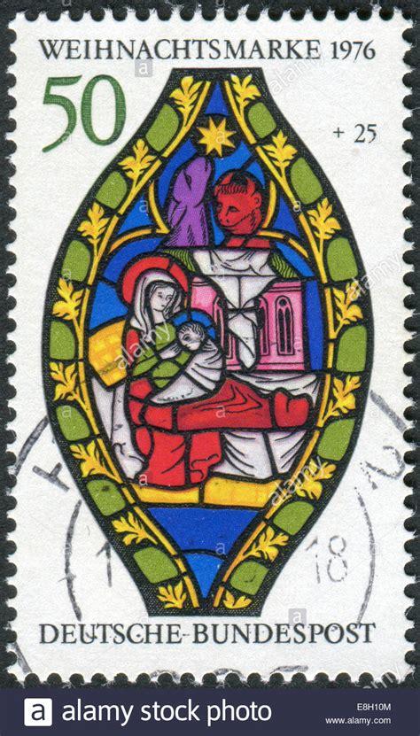 Weihnachtsdeko Fenster Stock by Briefmarke Gedruckt In Deutschland Weihnachten Thema