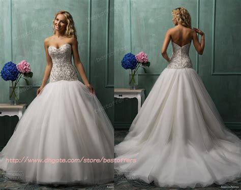 Sweetheart Ball Gown Wedding Dress With Lace Appliques