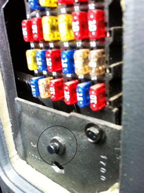 Where I The Inside Fuse Box For A 01 Town Country by 2 Questions Hvac Fan Interior Fuse Box Blazer Forum