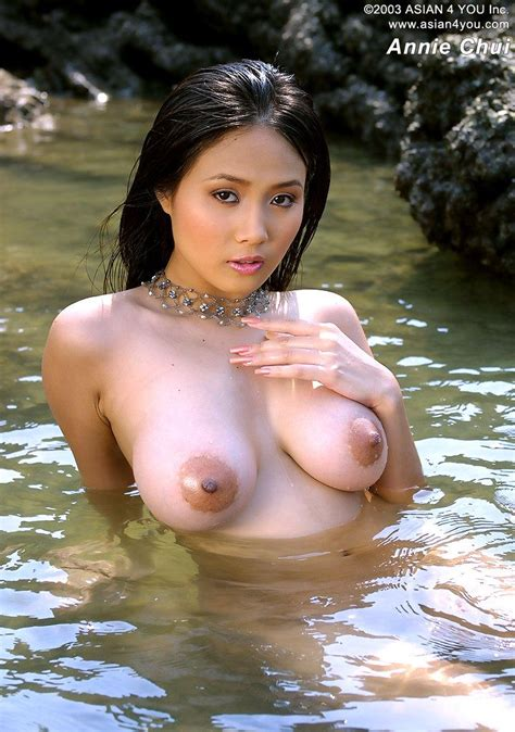 Asian Girls Db Naked Asian Lady In Water