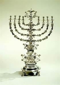 Menorah (Hanukkah) - Wikipedia