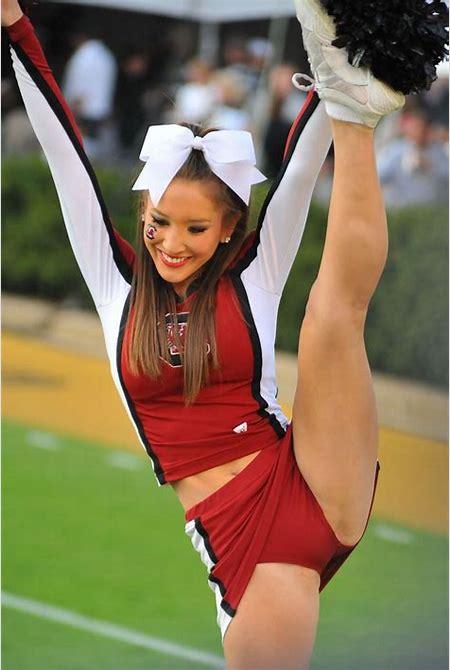 College Cheerleader Heaven: Very Cute South Carolina Cheerleader http://www.complex.com/sports ...