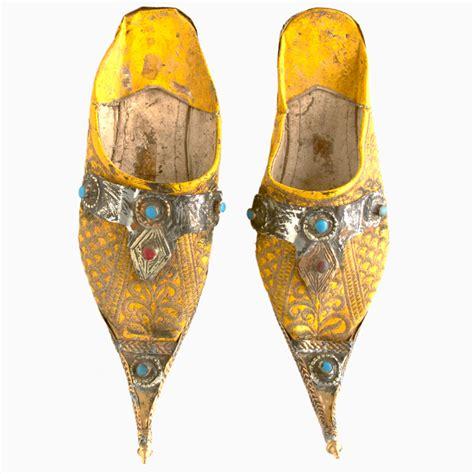 yellow moroccan wedding babouches