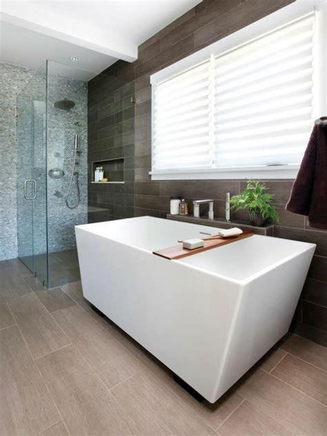 fenster mit integrierter lüftung bad bodenebene dusche mit ablagefach duschtrennwand glas freistehende badewanne fenster 252 ber