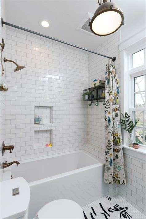 Bathtub Ideas For A Small Bathroom by This Bedroom Bathroom Makeover Has Cozy Nooks Clever