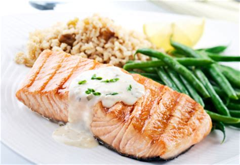 comment cuisiner le saumon frais comment cuisiner saumon