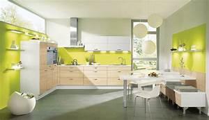 Küche Spritzschutz Wand : farbige w nde in der k che die 7 besten tipps f r die wandgestaltung streifen tapete ~ Sanjose-hotels-ca.com Haus und Dekorationen