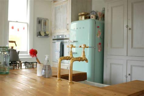 sybil green kitchen best 25 smeg fridge ideas on smeg kitchen 2641