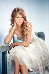 Taylor Swift Donates 6,000 Books to Pennsylvania Library ...  Taylor