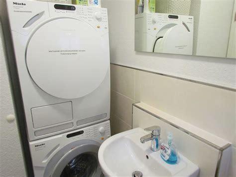 Küche Mit Waschmaschine Und Trockner by Bilder