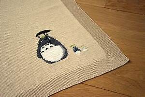 Love this Totoro & friends blanket pattern and it's FREE ...