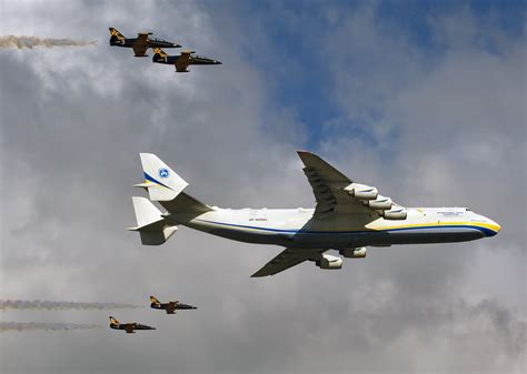 location bureau 9 file antonov an 225 mriya antonov design bureau an2176902