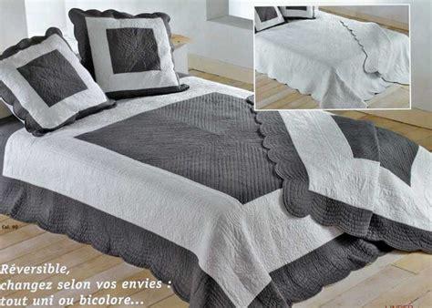 couvre canape d angle table rabattable cuisine jete de lit boutis pas cher