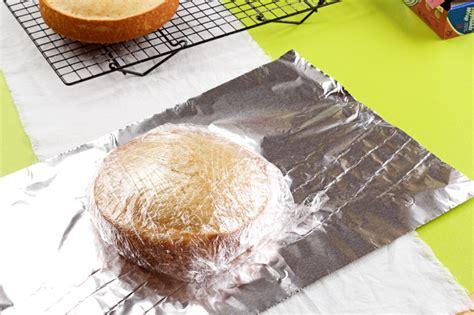 freeze  cake  frosting   bearfoot baker