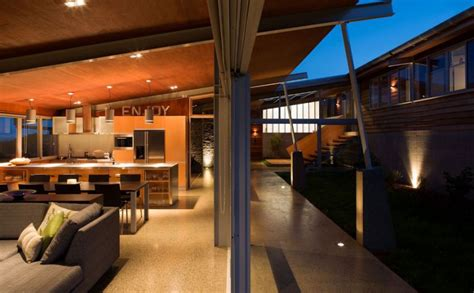 shaped house plans  courtyard  intimacy