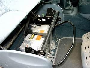 Changer Batterie Scenic 3 : aide pour acc der la batterie sur renault scenic phase 1 auto titre ~ Gottalentnigeria.com Avis de Voitures