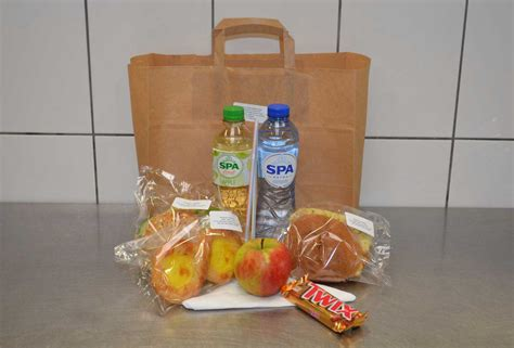 lunchpakket  petit pain