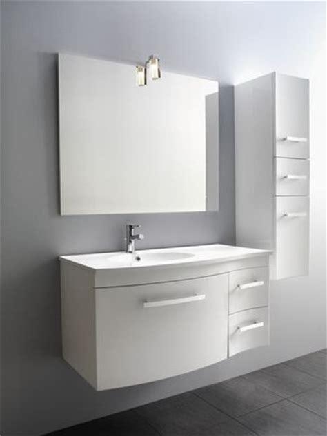miroir de salle de bain avec spot halog 232 ne photo 2 10 superbe miroir 224 installer dans votre