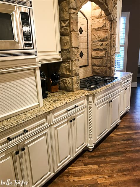 paint existing kitchen cabinets how to work with your existing granite when updating your 3925