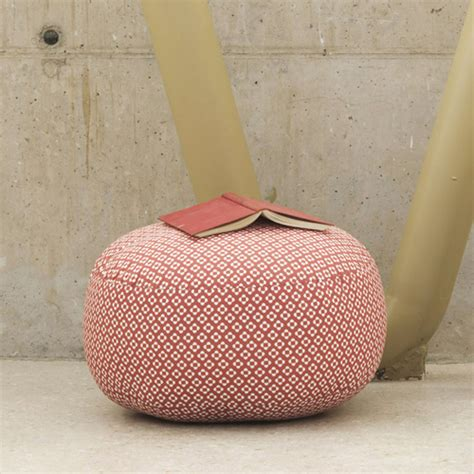 pin pouf sit on it fuchsia on