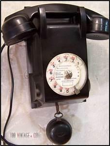 Telephone Mural Vintage : ancien t l phone noir en bak lite ancien t l phone mural ~ Teatrodelosmanantiales.com Idées de Décoration