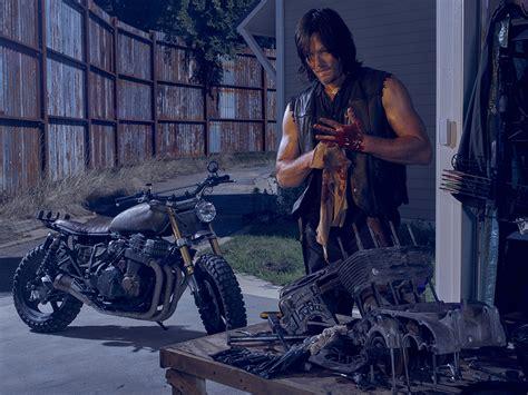 'walking Dead' Creator On Season 6, 'fear The Walking Dead