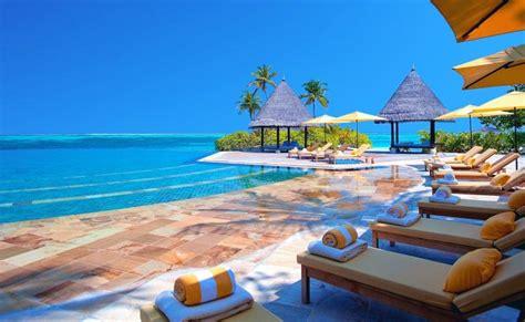 facts  maldives tourism  swan tours india