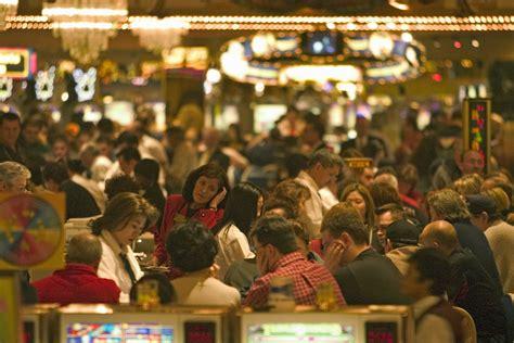 playing  las vegas casinos   budget