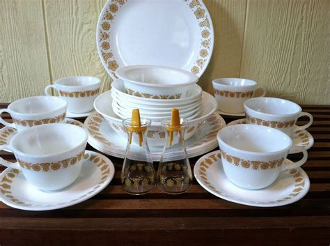 vintage pyrexcorelle gold butterfly  piece dinnerware