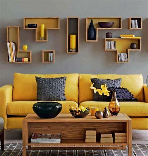 canapé 2 places cuir center la couleur jaune moutarde nouvelle tendance dans l