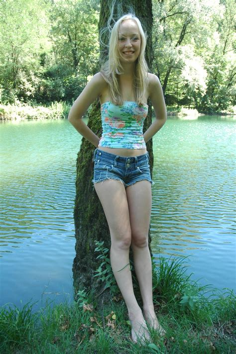 Amateur Skinny Young Sexy Teen High Definition Porn Pic Amateurtee