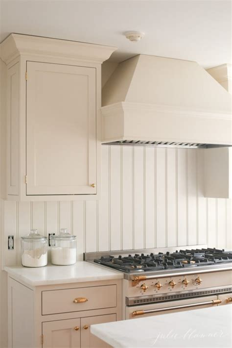 kitchen paint colors with cream cabinets cream kitchen cabinets cream paint color perfect for a