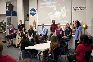 NASA - NASA Explorer Schools Dare Students to Dream