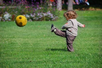 jeu ecole de cuisine de jeux extérieurs enfant 5 astuces pour qu 39 un enfant joue